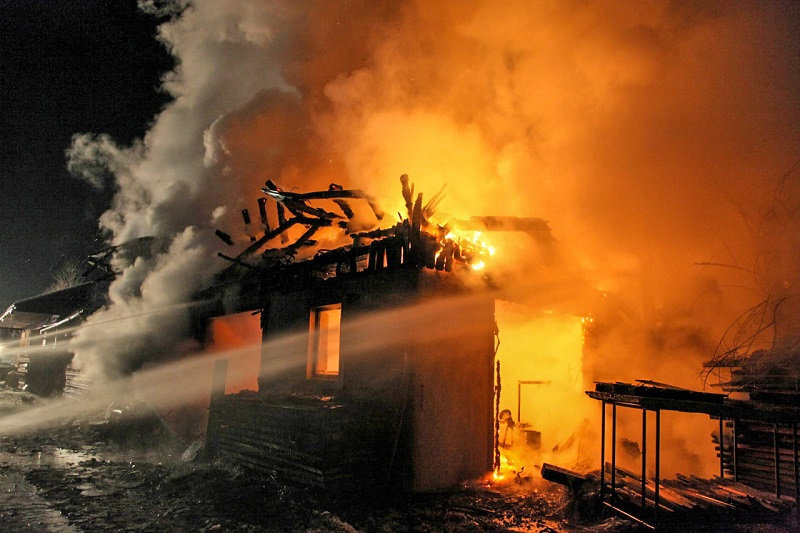 You are browsing images from the article: Großbrand bei Landwirtschaft in Klamm