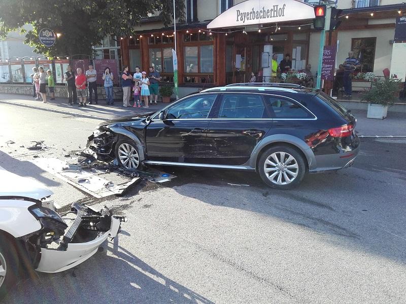 You are browsing images from the article: Technischer Einsatz: Verkehrsunfall  B 27, Hübner Kreuzung