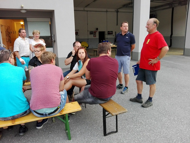 You are browsing images from the article: Alljährlicher Grillabend bei der Feuerwehr