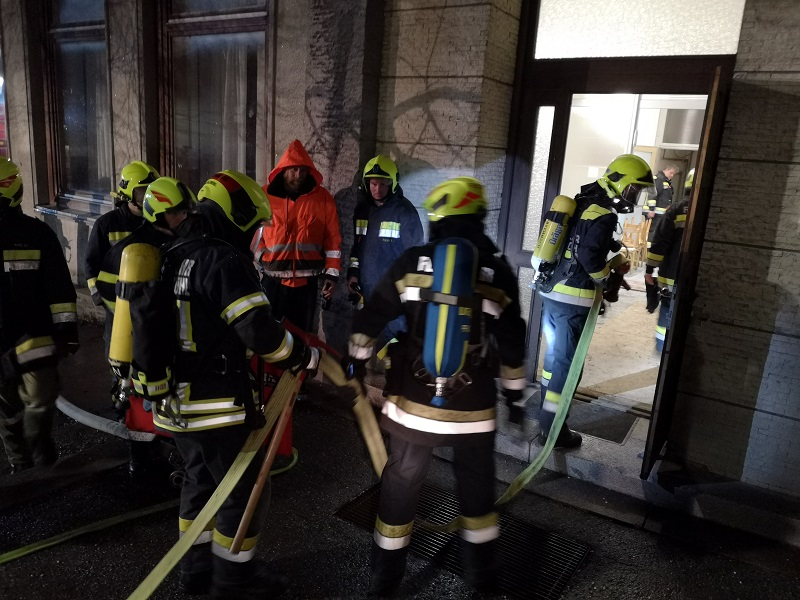 You are browsing images from the article: Atemschutzübung der drei Gemeindefeuerwehren