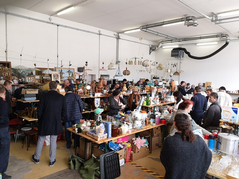 You are browsing images from the article: 8. Flohmarkt der FF Payerbach