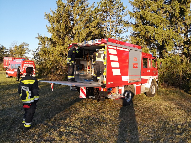You are browsing images from the article: Föhrenwaldbrand und Waldbrand in Dunkelstein