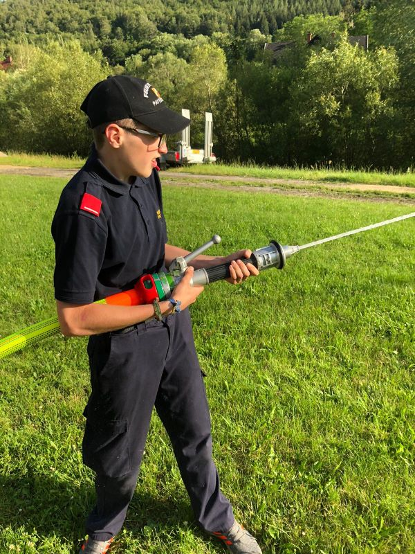 You are browsing images from the article: Schulung der Feuerwehrjugend Payerbach