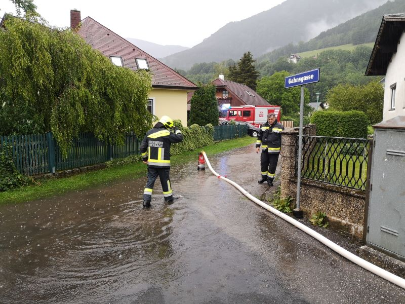 You are browsing images from the article: Unwettereinsätze in Payerbach