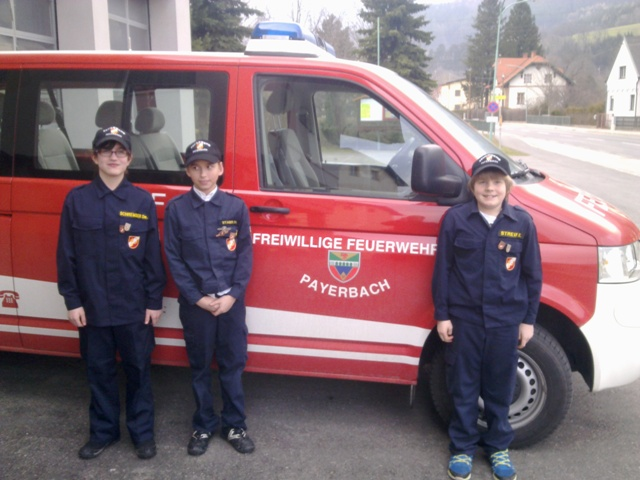 You are browsing images from the article: Wissenstest der Feuerwehrjugend in Grünbach am Schneeberg