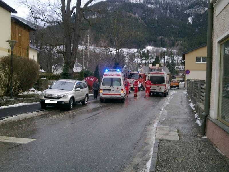 You are browsing images from the article: Verkehrsunfall B-27, Hübnerkreuzung